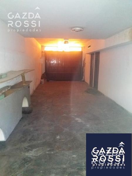Foto Casa en Venta en  Adrogue,  Almirante Brown  DE KAY 317