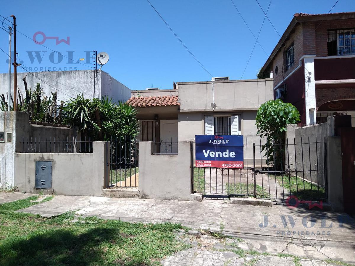 Foto Casa en Venta en  Villa Ballester,  General San Martin  Neuquen al 3800