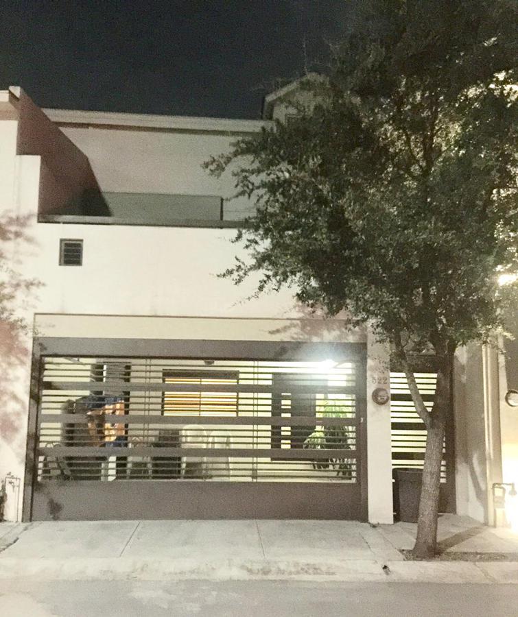 Foto Casa en Venta en  Puerta de Hierro Cumbres,  Monterrey  Puerta de Hierro  Priv Alta  Vista