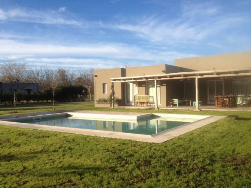 Foto Casa en Alquiler temporario en  La Emilia,  Countries/B.Cerrado (Pilar)  Ruta 28 4