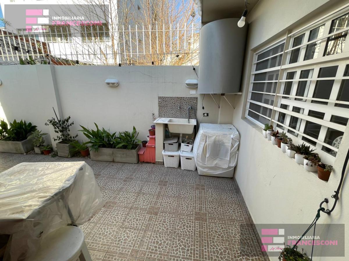 Foto PH en Venta en  La Plata ,  G.B.A. Zona Sur  50 20 y 21