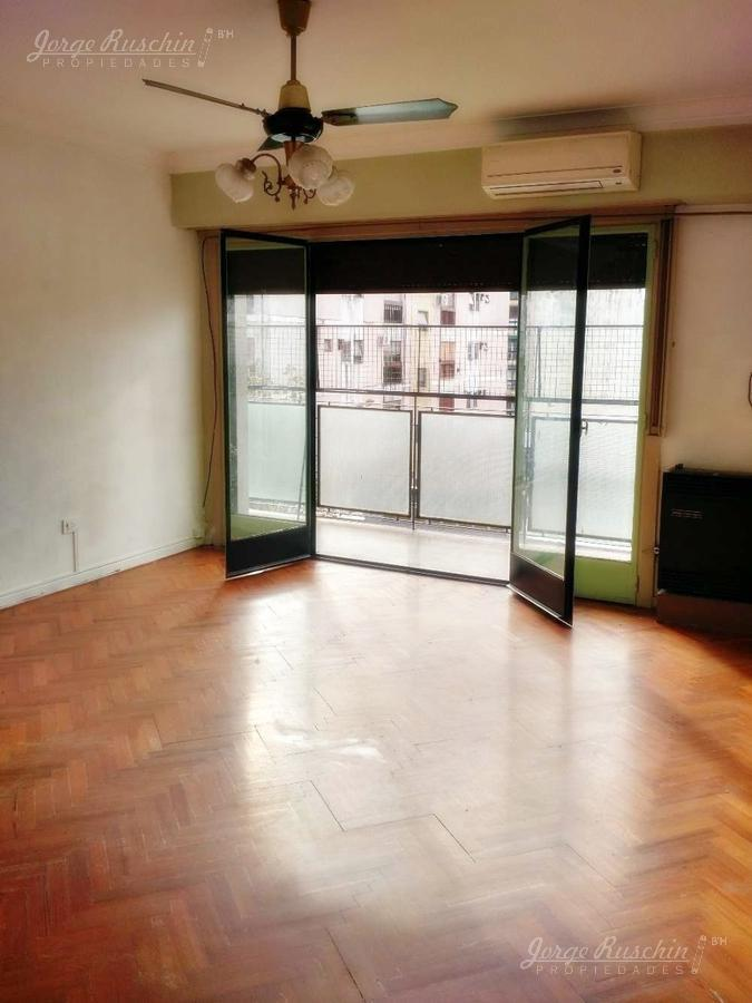 Foto Departamento en Venta en  Almagro ,  Capital Federal  Bulnes al al 200