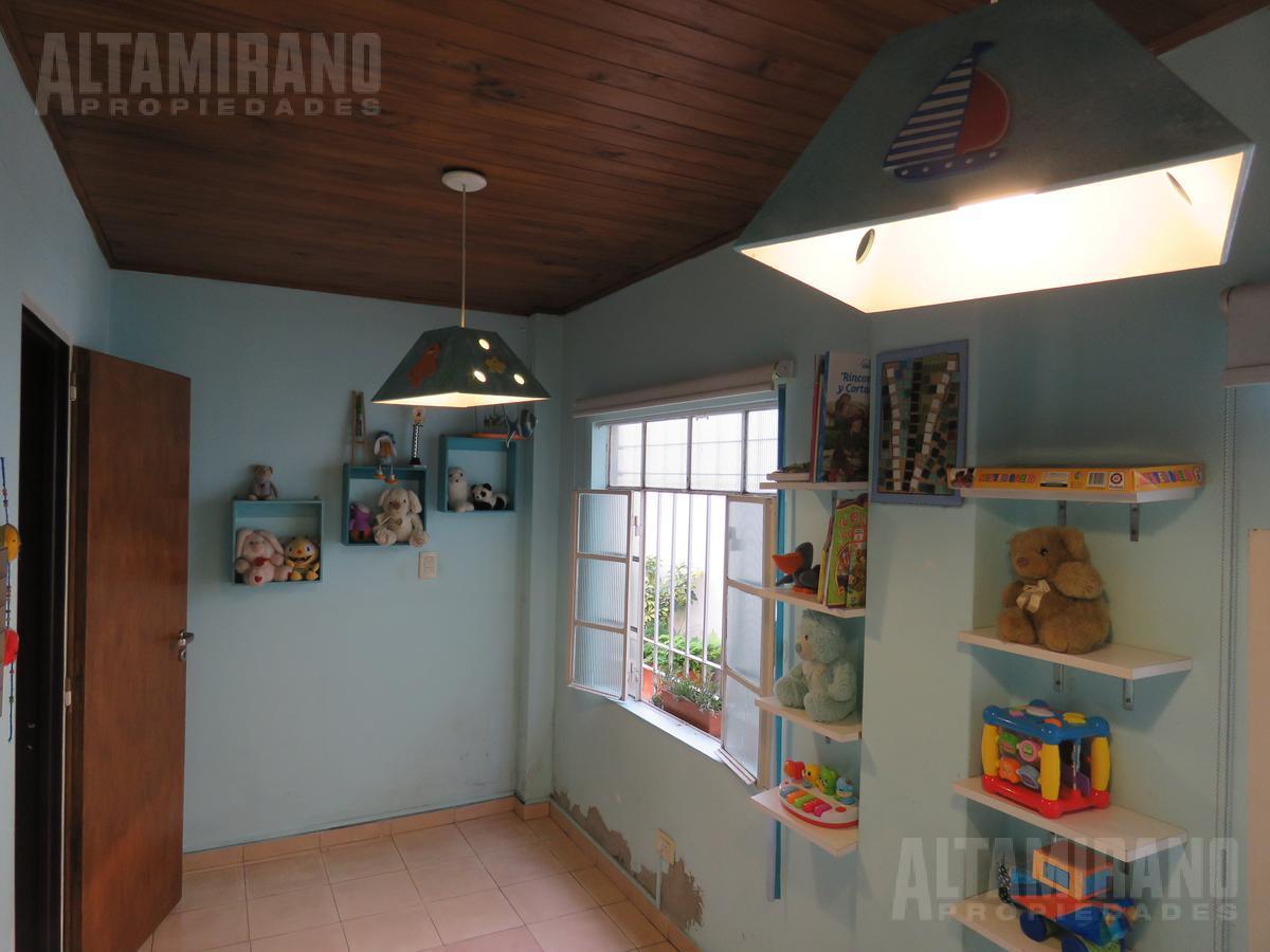 Foto PH en Venta en  Villa Ballester,  General San Martin  San juan al 4300 e/ Intendente Witcomb y Las Heras