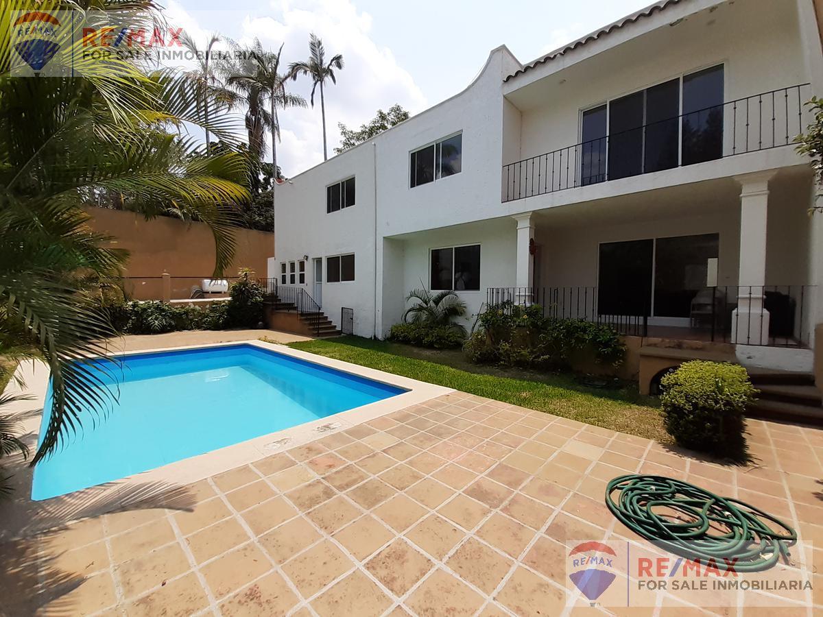 Foto Casa en Venta en  Miraval,  Cuernavaca  Venta de casa sola, Col. Miraval, Cuernavaca, Morelos…Clave 3365