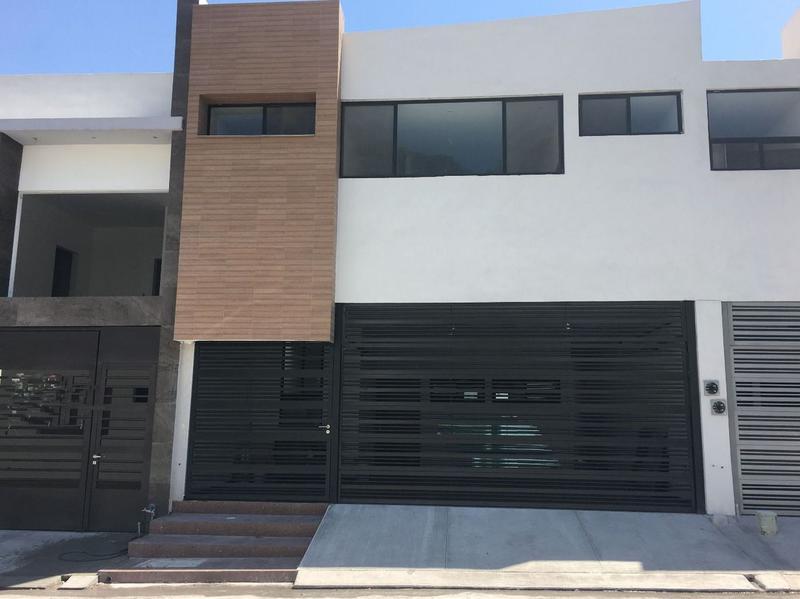 Foto Casa en Venta en  Cumbres Elite,  Monterrey  CASA EN VENTA CUMBRES ELITE 8VO SECTOR ZONA MONTERREY