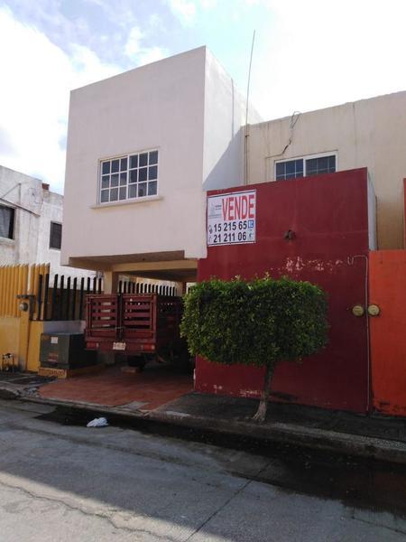 Foto Casa en Venta en  Fraccionamiento Puerto Esmeralda,  Coatzacoalcos  Bandera No. 23, Fraccionamiento Puerto Esmeralda, Coatzacoalcos, Veracruz.