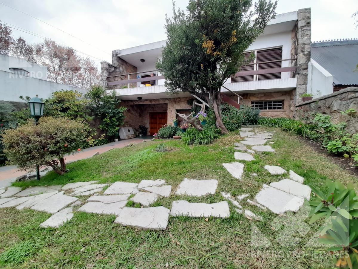 Foto Casa en Venta en  Moron Norte,  Moron  Berutti al 500