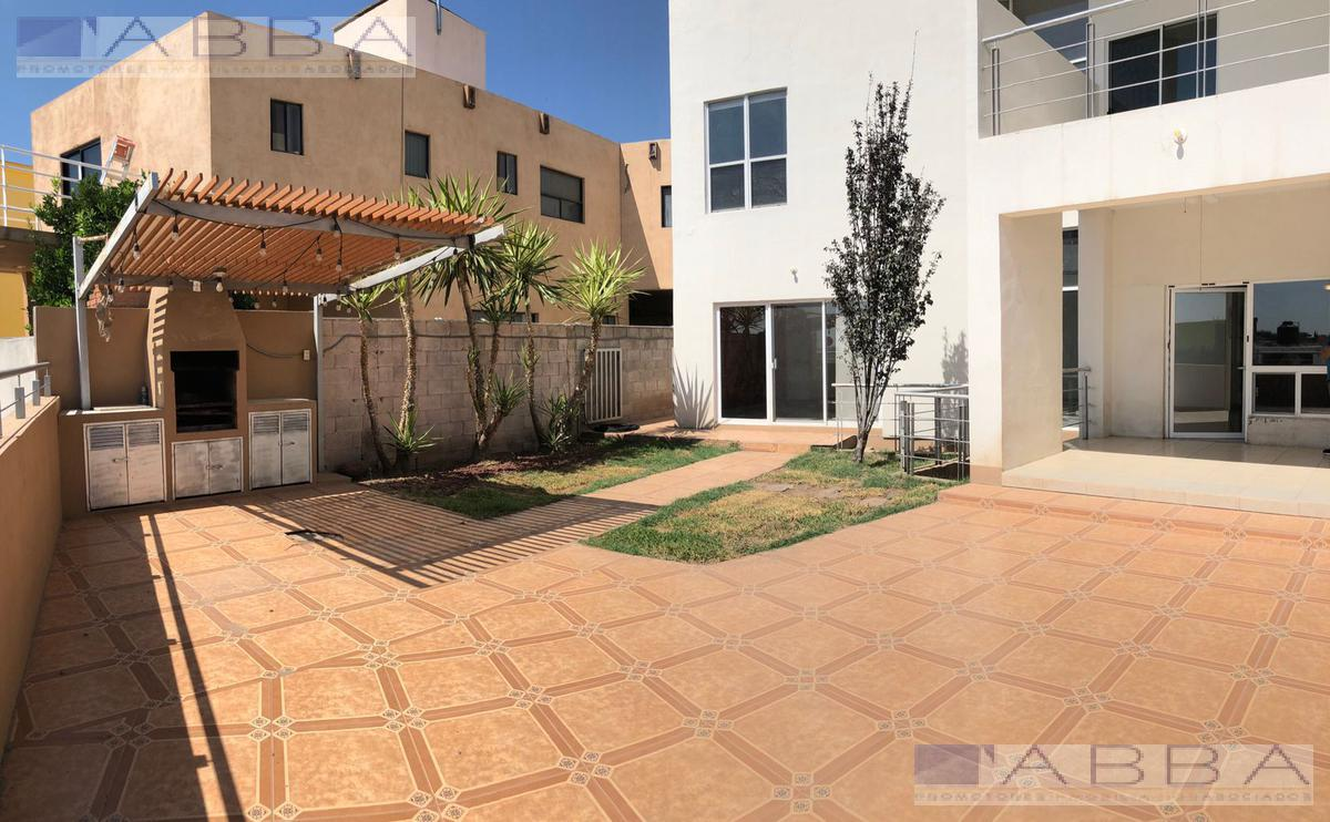 Foto Casa en Venta en  Chihuahua ,  Chihuahua  Casa en Venta / Renta con amplio patio en Lomas Universidad IV
