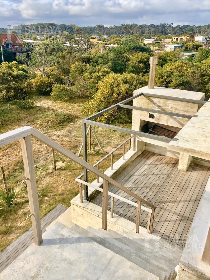 Foto Casa en Venta en  La Juanita,  José Ignacio  IMPERDIBLE PROPIEDAD FRENTE AL MAR EN JOSE IGNACIO - La Juanita, 3 dormitorios.