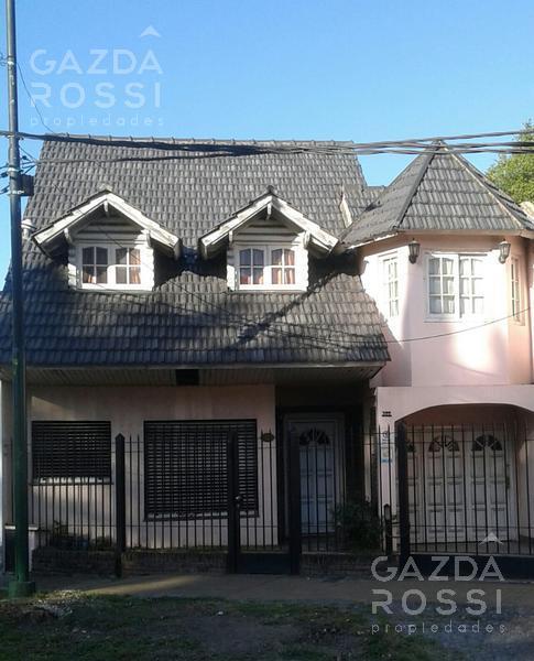 Foto Casa en Venta en  Adrogue,  Almirante Brown  Espora al 400