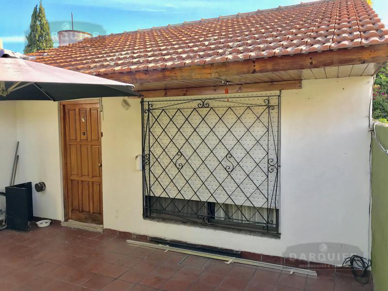 Foto Casa en Venta en  Adrogue,  Almirante Brown  AVELLANEDA 1058