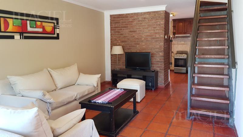 Foto Casa en Alquiler |  en  Padre Claret,  Cordoba  Duplex amoblado en Bº cerrado - 3 dorm - 2 baños - cochera - zona Cerro/Sanat Allende!