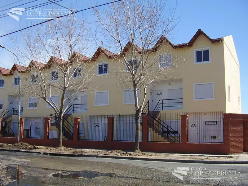 Foto Departamento en Venta en  General San Martin ,  G.B.A. Zona Norte  Italia 300