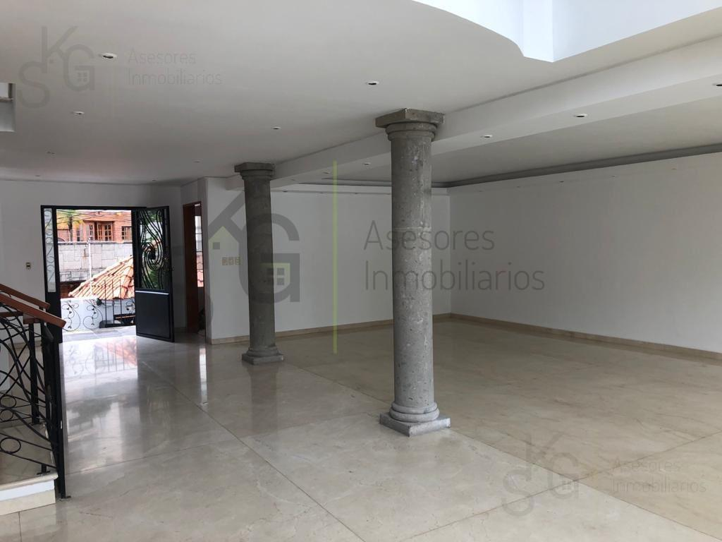 Foto Casa en Venta en  Huixquilucan ,  Edo. de México  SKG Asesores Inmobiliarios Vende casa en Fuente del Pescador, Lomas de Tecamachalco