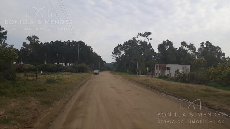 Foto Terreno en Venta en  Punta Colorada,  Piriápolis  Punta Colorada Camino Vecinal
