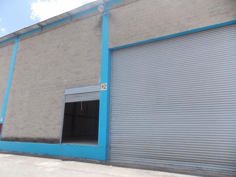 Foto Bodega Industrial en Renta en  Toluca,  Toluca  NAVES EN RENTA EN BLVD. AEROPUERTO