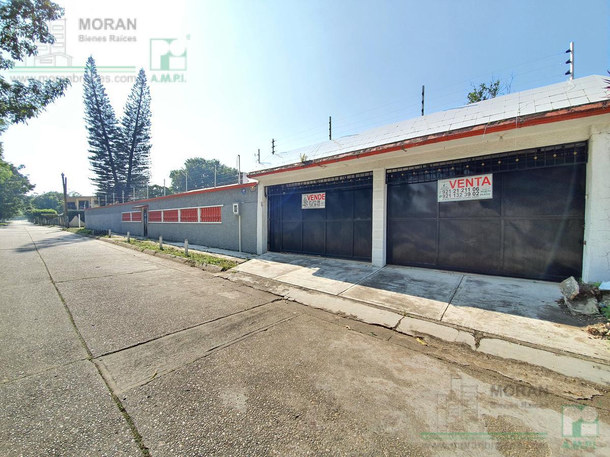 Foto Casa en Venta en  Petrolera,  Minatitlán  Avenida B, Lote 16-A, Manzana 28, Colonia Petrolera, MInatitlán, Ver.