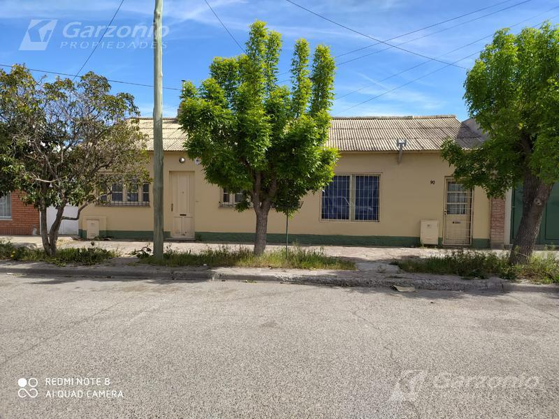 Foto Casa en Venta en  Trelew ,  Chubut  Cutillo 78