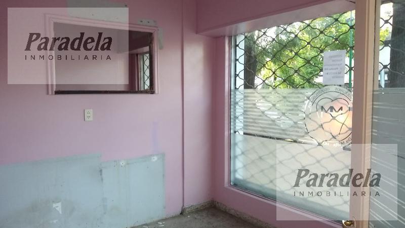 Foto Local en Alquiler en  Ituzaingó,  Ituzaingó  Zufriategui al 600