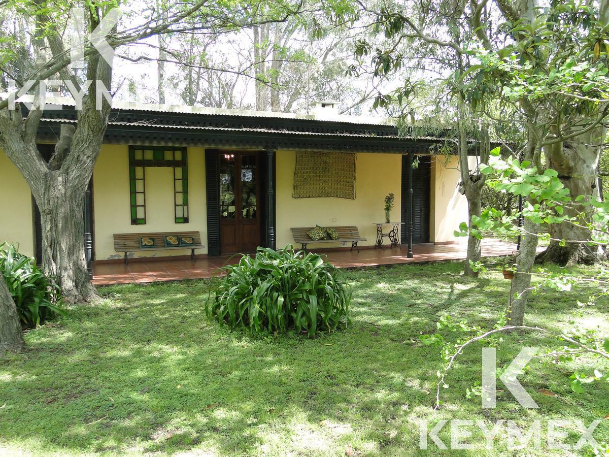 Foto Casa en Venta en  Los Hornos,  La Plata  Casa de Campo 161 y 84