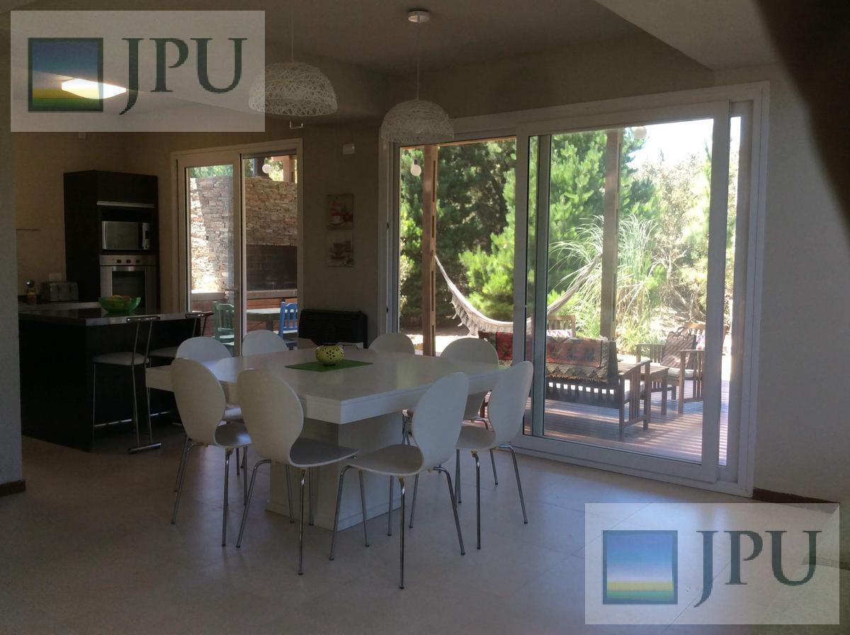 Foto Casa en Alquiler temporario en  Costa Esmeralda,  Punta Medanos          Residencial I 171