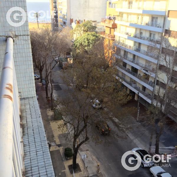 Foto Departamento en Alquiler en  Pocitos ,  Montevideo  A metros de Rambla de Punta Carretas, 3 dormitorios y garaje fijo