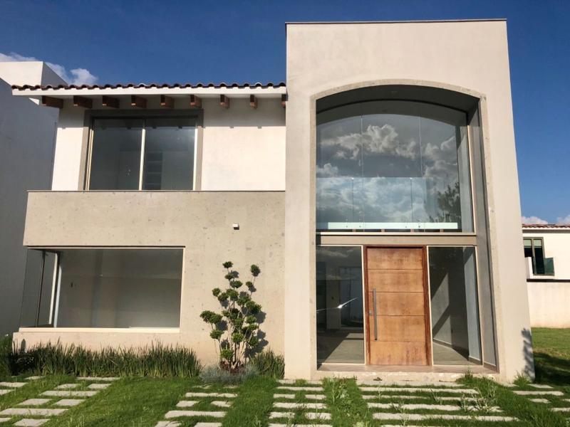Foto Casa en condominio en Venta en  San Miguel Totocuitlapilco,  Metepec  HERMOSA CASA EN VENTA UBICADA EN FRACC. CONDADO DEL VALLE, METEPEC