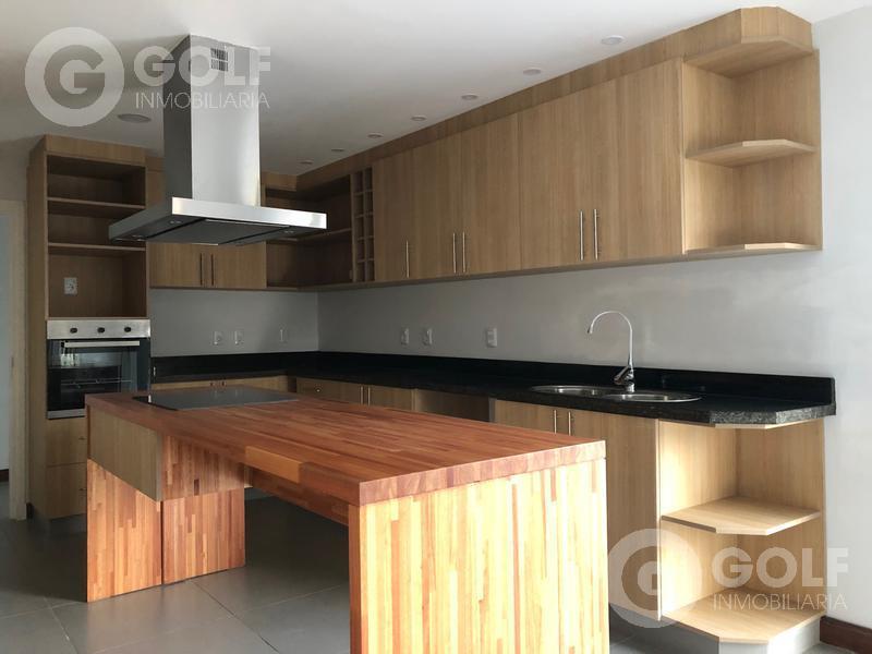 Foto Casa en Venta | Alquiler en  Countries/B.Cerrado (Carrasco) ,  Canelones  Lomas de La Tahona- casa de 4 dormitorios y servicio, piscina, parrillero