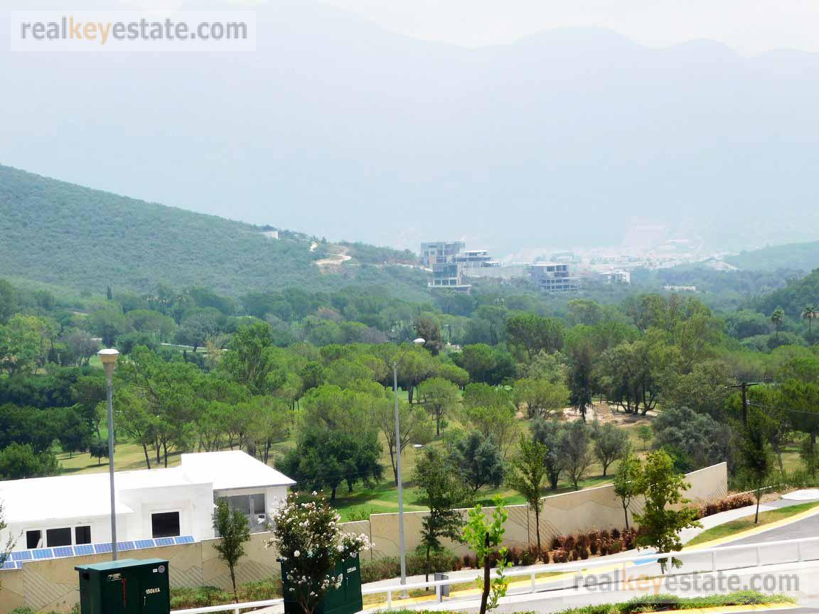 Foto Terreno en Venta en  Monterrey ,  Nuevo León  Terreno en Venta en Sierra Alta 9° Sector, Carretera Nacional, Monterrey