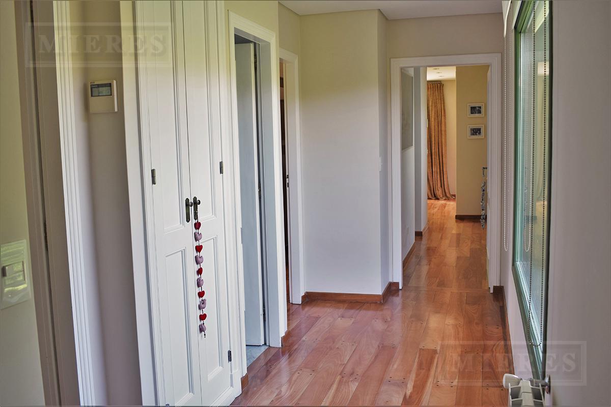 MIERES Propiedades- Casa de 417 mts en Martindale CC