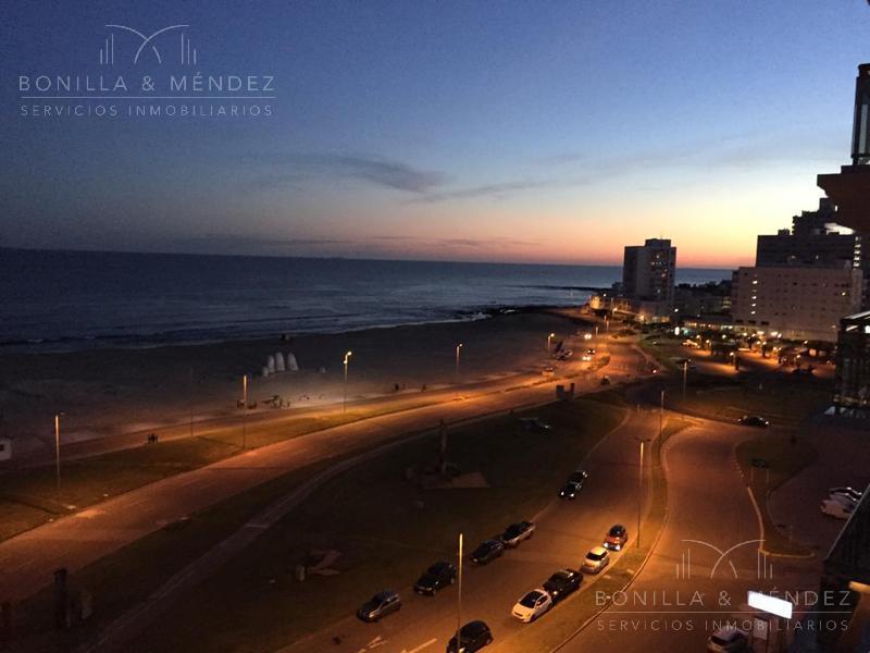 Foto Apartamento en Venta en  Playa Brava,  Punta del Este  Rambla Lorenzo Batlle Pacheco y Parada 1
