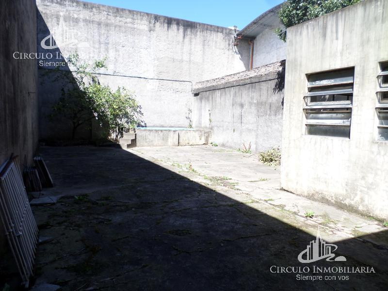 Foto Local en Alquiler en  Mataderos ,  Capital Federal  Av. Eva peron  al 5400