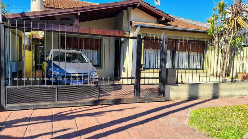 Foto Casa en Venta en  Ituzaingó,  Ituzaingó  Monroe al 1500