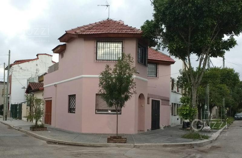 Foto Casa en Venta en  Carapachay,  Vicente López  Almafuerte al 5800