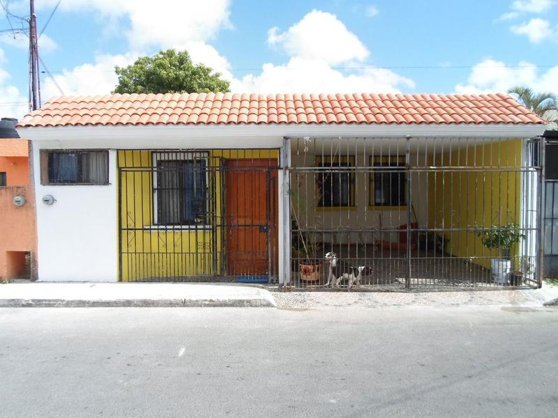 Foto Casa en Venta en  Región 95,  Cancún  Se Vende Casa En Cancun 3 Recamaras A unas cuadras de Gran Plaza
