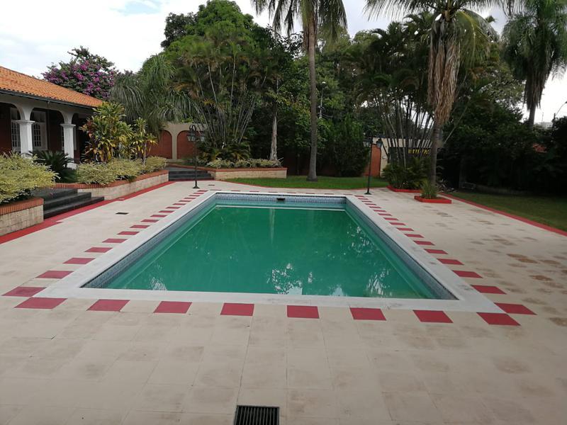 Foto Casa en Venta |  en  Mcal. Estigarribia,  La Recoleta  Vendo residencia de 2.558 m2 en Barrio Mcal. Estigarribia