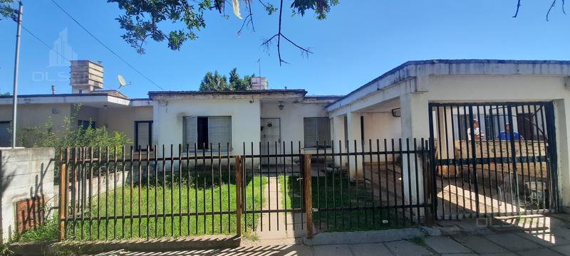 Foto Casa en Venta en  Los Gigantes,  Cordoba Capital  Saavedra Lamas al 600