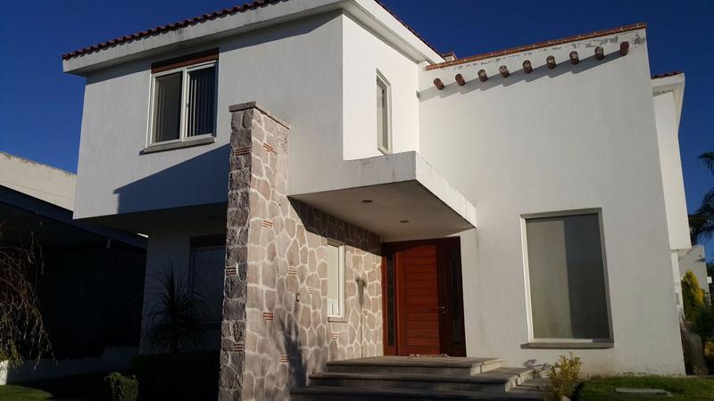 Foto Casa en Renta en  Fraccionamiento El Campanario,  Querétaro  Casa en renta El Campanario Queretaro