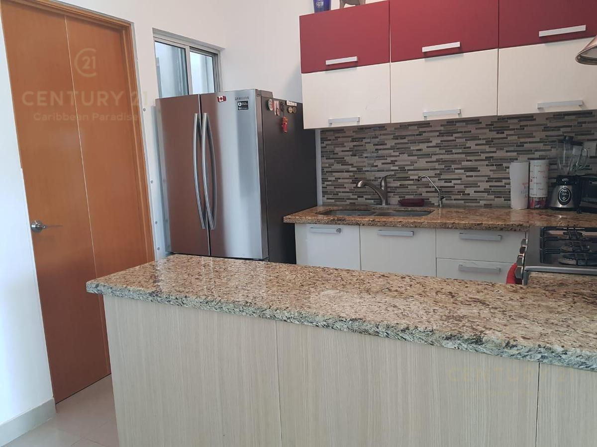 Playa del Carmen Apartment for Sale scene image 12