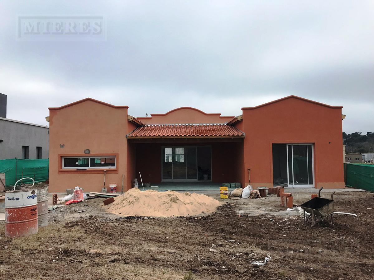 MIERES Propiedades- Casa de 200 mts en Pilar del Este Santa Guadalupe