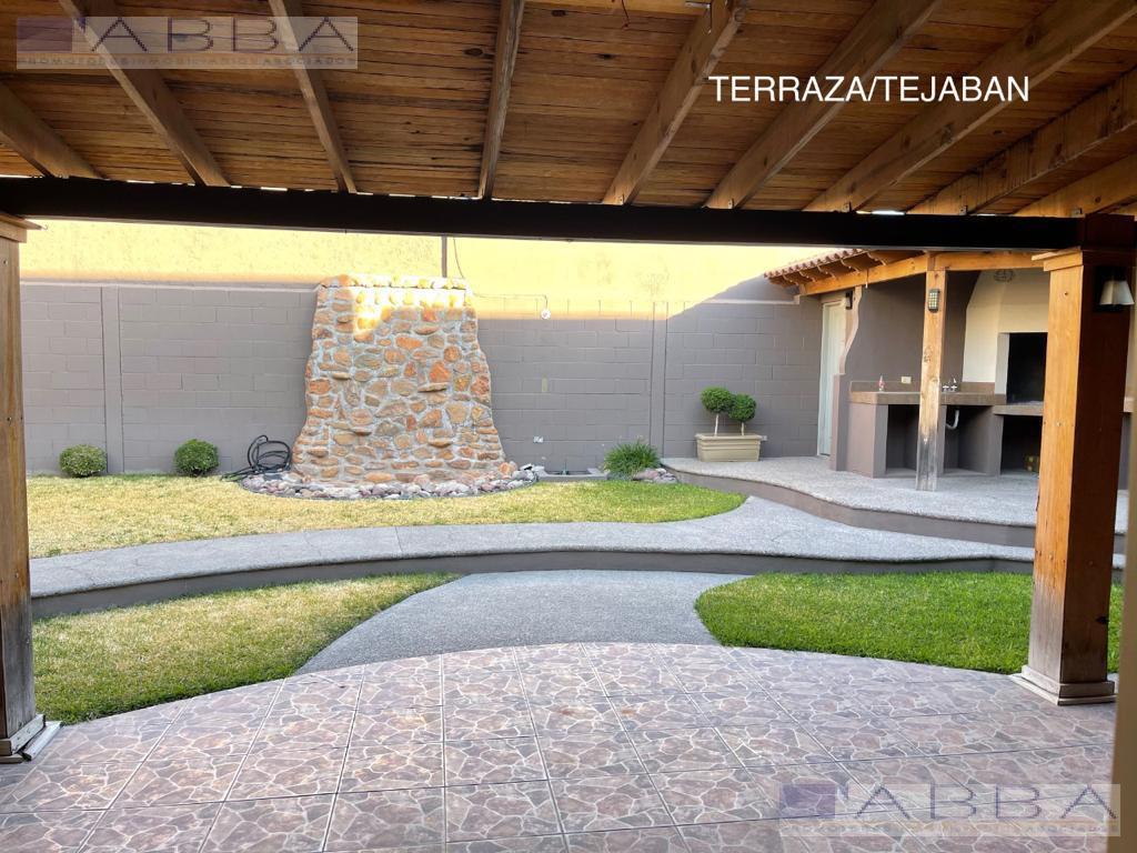 Foto Casa en Renta en  Chihuahua ,  Chihuahua  Hermosa con jardin casa en Quintas del Sol