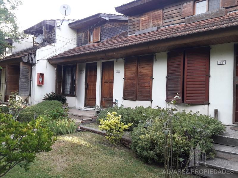Foto Casa en Alquiler en  Castelar,  Moron  Salvador Curuchet al 3100