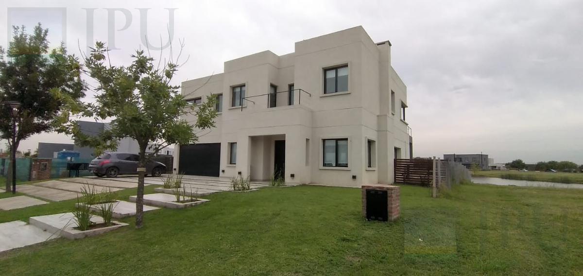 Foto Casa en Venta en  El Canton,  Countries/B.Cerrado (Escobar)  Norte al 200