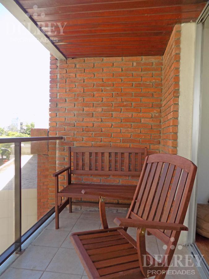 Foto Departamento en Alquiler en  Pocitos Nuevo ,  Montevideo  Marco Bruto y Rambla