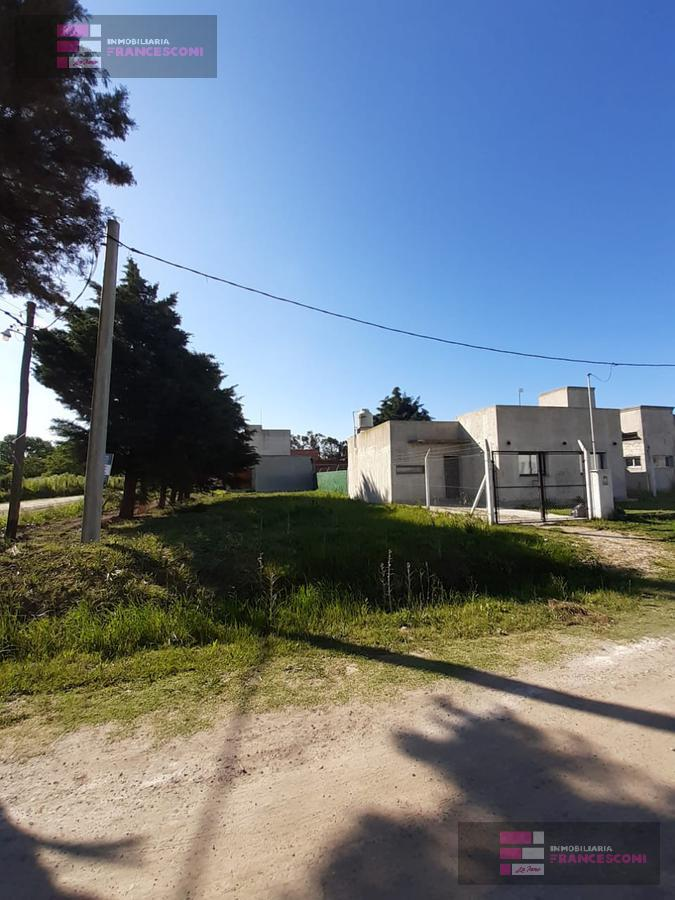 Foto Terreno en Venta en  Lisandro Olmos Etcheverry,  La Plata  183 esquina 71 Olmos