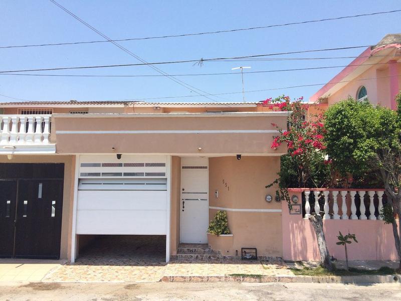 Foto Casa en Venta en  Fraccionamiento Villa Rica,  Veracruz  Casa Remodelada y Ampliada con Recámara en Planta Baja