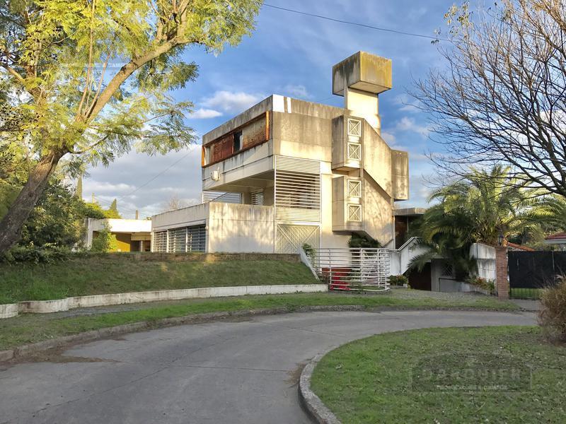 Foto Casa en Venta en  Adrogue,  Almirante Brown  PASAJE KENEDY Y CORTADA