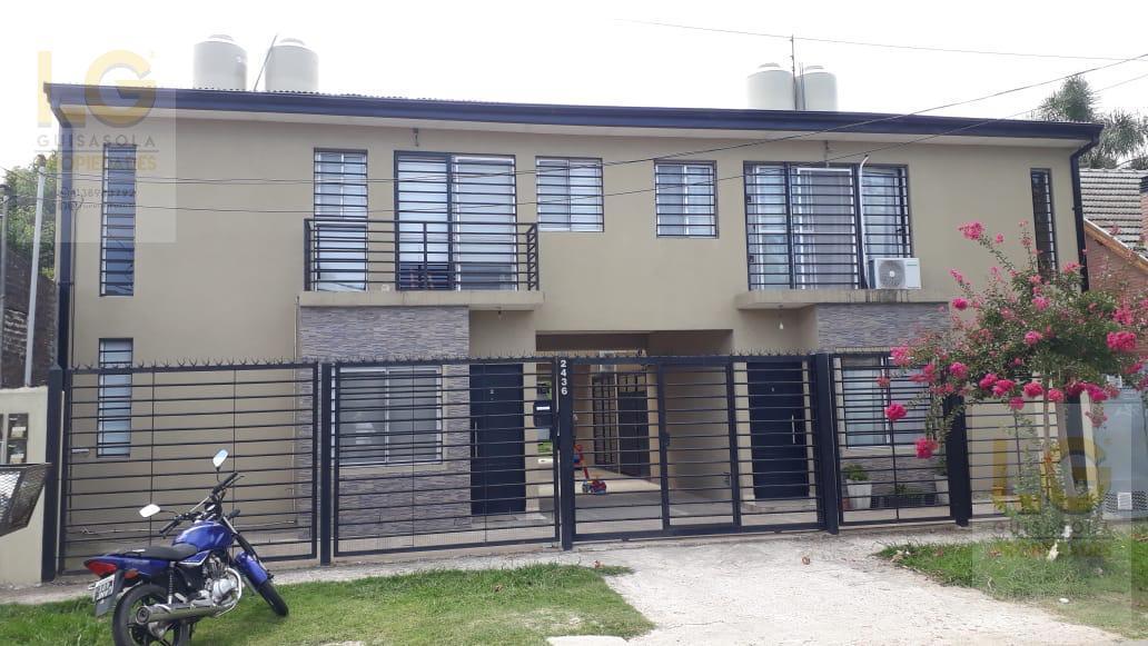 Foto PH en Alquiler en  Berazategui ,  G.B.A. Zona Sur  138 2436