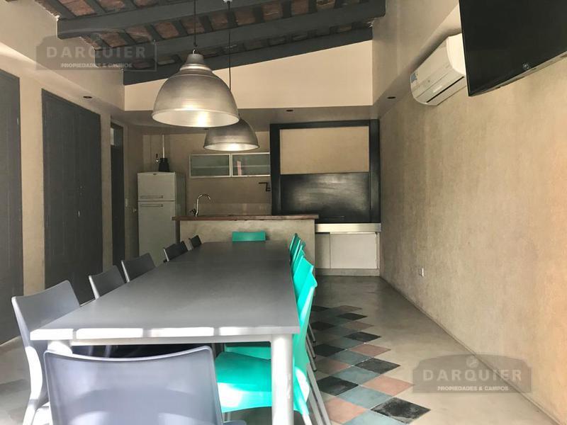 Foto Casa en Venta en  Adrogue,  Almirante Brown  VALENTIN ALSINA 160 CASA 4