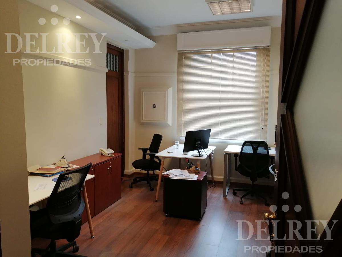 Foto Oficina en Alquiler en  Ciudad Vieja ,  Montevideo  Sarandí e Ituzaingó